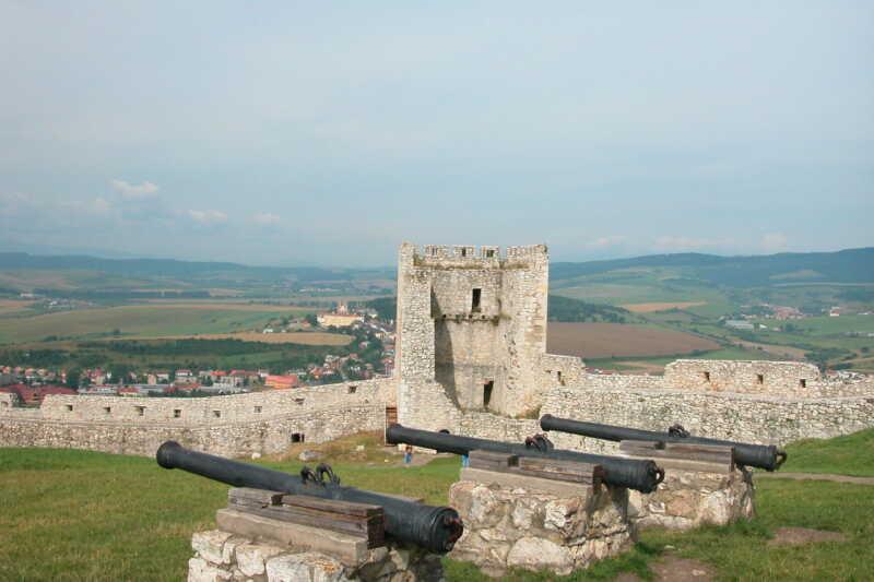 U hradního obranného systému - kanóny jak se patří