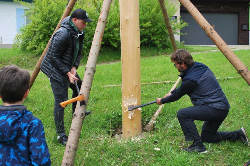 Závěr dřevorubecké akce musí patřit dospělým a zkušeným