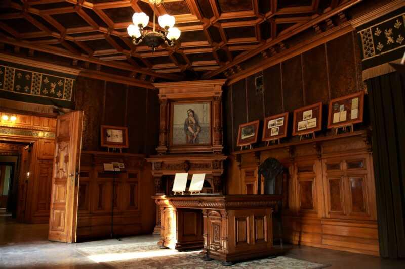 V paláci K. Scheiblera je dnes unikátním Muzeem kinematografie
