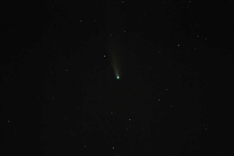 ... i s kometou.